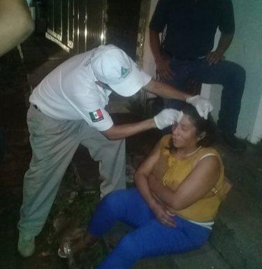 Mujer se lesiona al caer en Huixtla