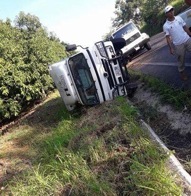 Accidente automovilístico tramo carretero escuintla- Villa de comaltitlan
