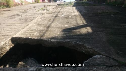 Se hunden calles de Huixtla