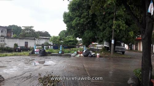 Basurero clandestino calles de Huixtla