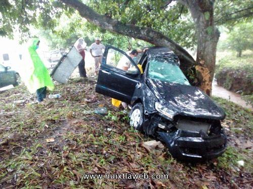 En trágico accidente vehicular muere chofer de Carlos Gam