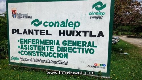 Retraso en la entrega de cedulas profesionales en el Conalep Huixtla