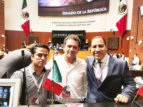 José Luis Laparra asiste a sesión del senado de la república