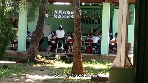 No se ha cumplido la reconstrucción de escuelas en Huixtla