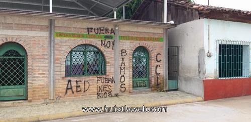 Maestros amenazan con tapar la carreta Huixtla a Tapachula