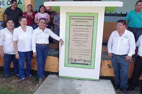 En Villa Comaltitlán se combate el rezago social: Claudia López Aguilar