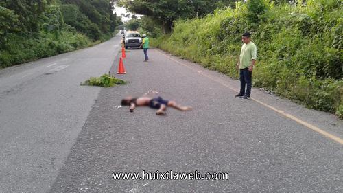 Mapaneco muere atropellado por carro fantasma en la carretera