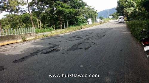 Totalmente destrozada la carretera en el soconusco