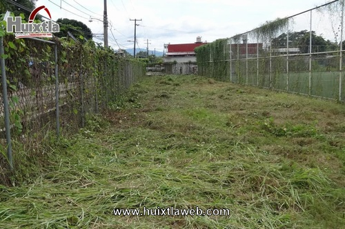 Gobierno municipal de Huixtla realiza trabajos en áreas verdes