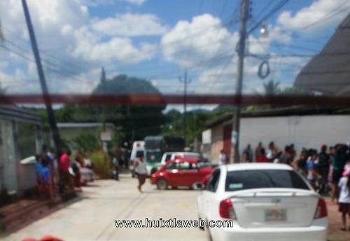 Varios lesionados al chocar transporte mixto en Huixtla
