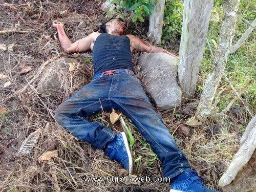 Localizan guatemalteco muerto en Huehuetán a orillas de la carretera
