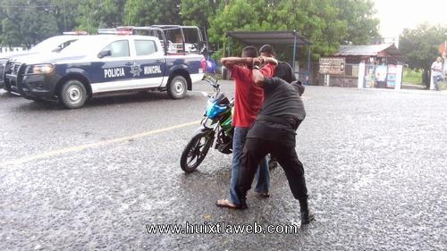 Continúan operativos contra roba motos en zona cañera de Huixtla