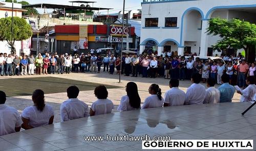 Ayuntamiento de Huixtla realiza primer homenaje Cívico