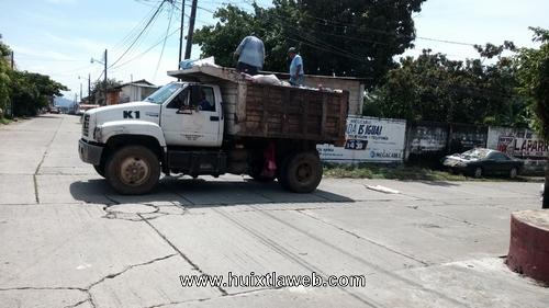 Inicia con camiones el levantamiento de basura en Huixtla