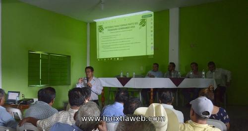 AMLO a través del gobierno municipal implementa programa de comunidades sustentables