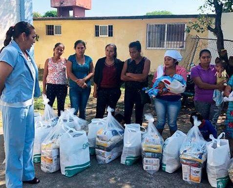 DIF municipal de Huixtla entrega apoyo a mujeres embarazadas