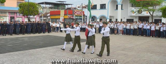Gobierno de Huixtla lleva a efecto homenaje cívico