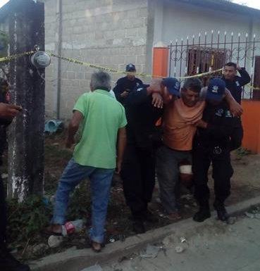 Albañil es baleado en Acacoyagua