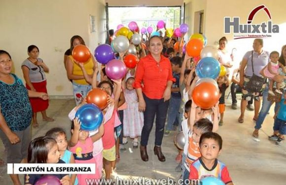 Continúa DIF municipal de Huixtla con entrega de juguetes de día de Reyes