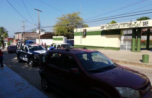Roban motocicleta del estacionamiento de secundaria en Huixtla