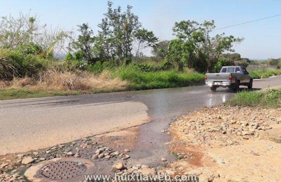 Por carecer de herramientas en SAPAM fluyen aguas negras en Tuzantán