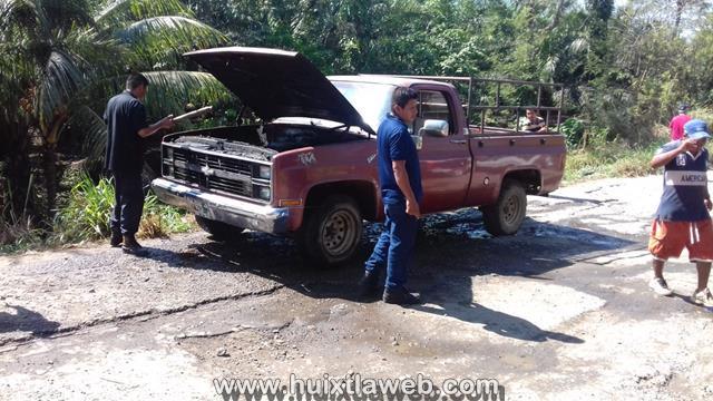 Se incendia camioneta Huixtla a Villa Comaltitlán