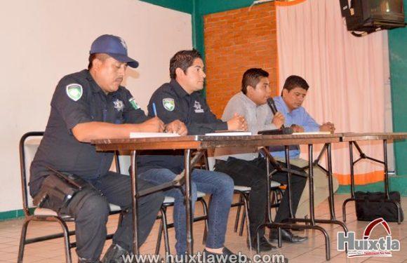 Gobierno municipal realiza reunión con directivos de instituciones educativas del municipio