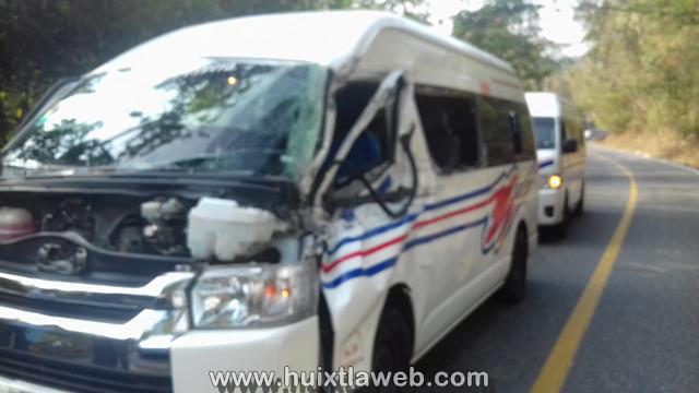 Colectivo de Motozintla provoca accidente