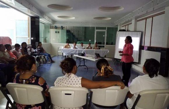 "Programa ""embarazadas responsablemente feliz"" continúa con éxito en Huixtla"