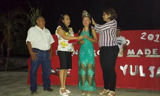 Coronan reina de la feria del ejido Francisco I. Madero en Huixtla