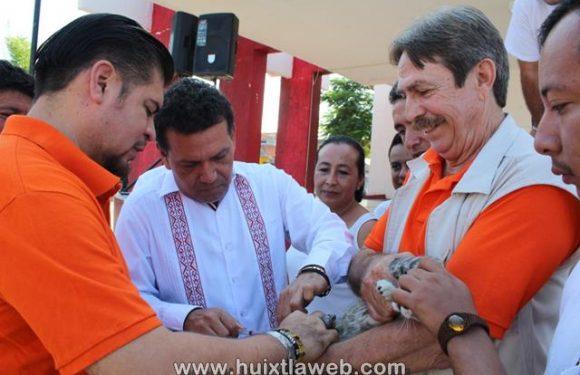Inicia la primera semana de vacunación antirrabica  en Huixtla