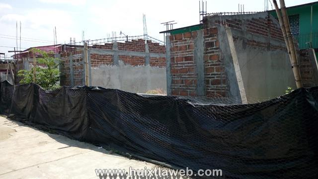 Abandonan construcción de escuela primaria en Huixtla