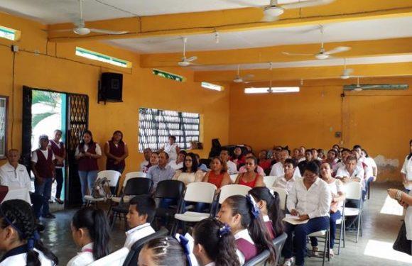 Concurso de red de niños difusores realiza DIF Huixtla