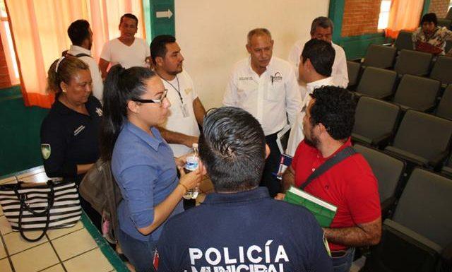 Reunión de trabajo en materia de seguridad de gobierno municipal e instituciones educativas