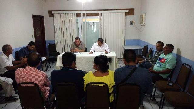Trabajadores cesados del ayuntamiento toman la delegación de gobierno