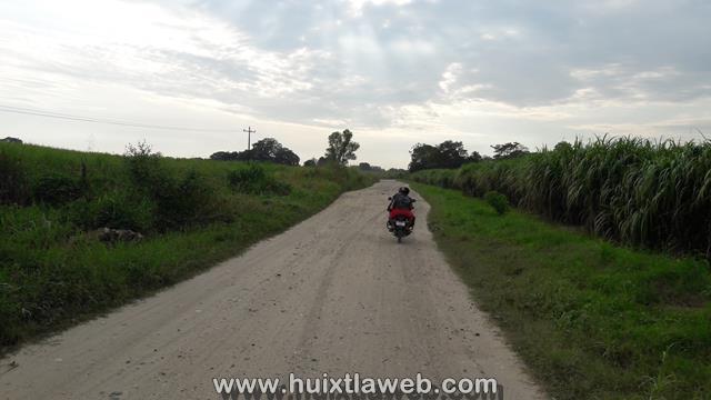 Roban motocicleta en zona cañera de Huixtla