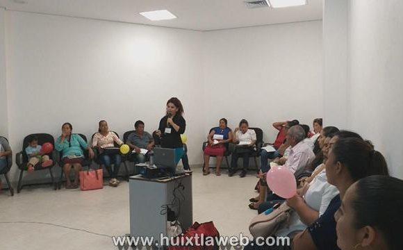 Realizan taller de conocimientos básicos en respuesta al VIH/SIDA
