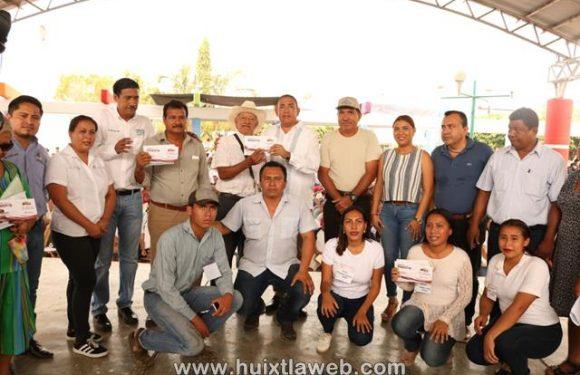 Entregan apoyo del programa sembrando vida en Mazatán