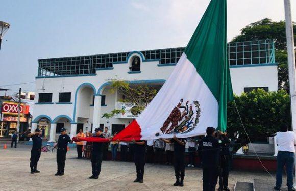 Gobierno de Huixtla conmemora el cinco de mayo con un acto cívico
