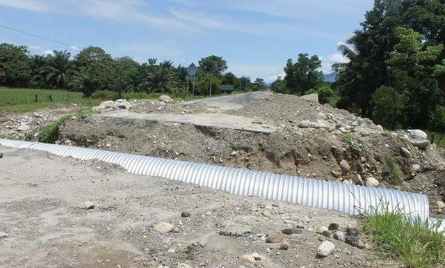Piden investigar a consorcio  por reparación de carretera