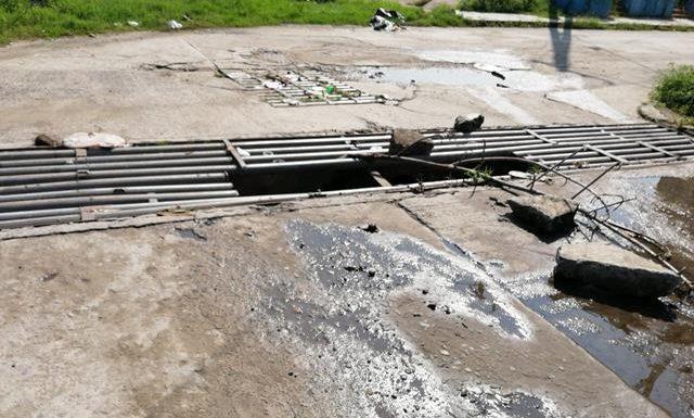 Roban tubos de drenaje en Huixtla