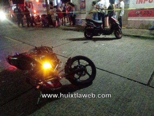 Chocan motocicletas en  Tuzantán