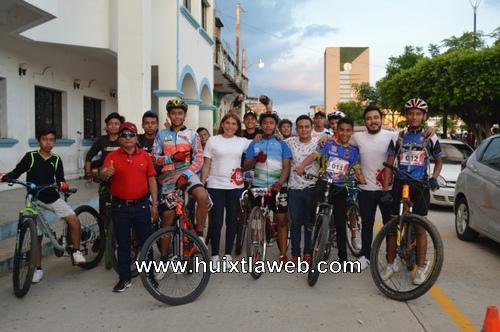 Comité municipal contra las adicciones (COMCA) festejo el día internacional de la juventud