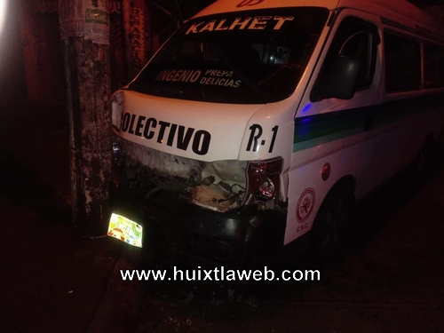 Ebrio conductor de Colectivo arrolla taxi en Huixtla