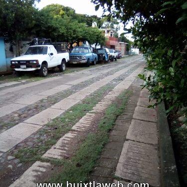 Denuncian deshuesadero en calle principal de Huehuetán