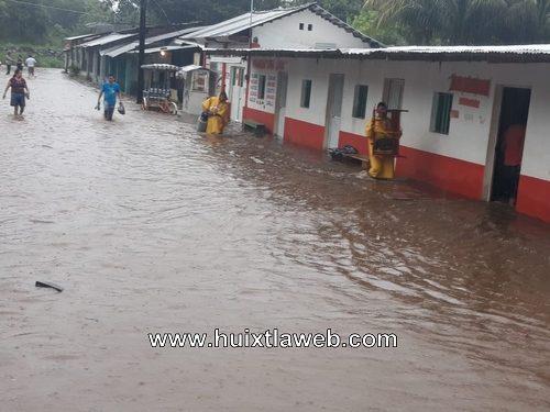 Más de 200 familias afectadas por inundaciones en Villa Comaltitlán