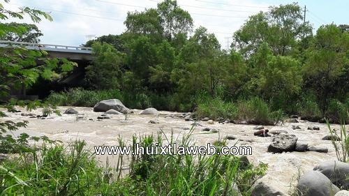 Identifican a ahogado en el río Huixtla