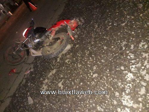 Dos lesionados motociclistas arrollados en escuintla