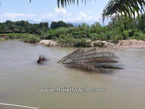 Temen que se desborde rio Islamapa por cambiar su cauce en Tuzantán