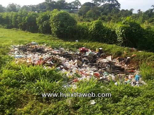 Terreno de la UNACH en Huehuetán utilizado como basurero clandestino